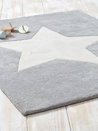 tapis chambre bebe décoration chambre bébé tapis enfant patères cyrillus