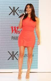 nude photos of kim kardashian kim kardashian greets the day with a nude selfie the daily dot