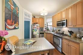 650 Square Feet West Village Co Op Asking 800k Fits In Charm Over 650 Square Feet