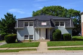 1 bedroom apartments in normal il 1004 1 2 s university st normal il 61761 1 bedroom apartment for