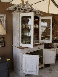 white crackle paint cabinets learn how to crackle paint old furniture crackle painted