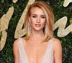 rosie huntington side parted lob rosie huntington whiteley in burberry british fashion awards 2015