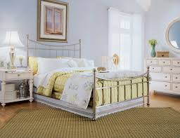 Country Cottage Style Bedrooms - Country style bedroom ideas