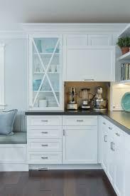 cuisine tv mon chef bien aimé cuisine table de cuisine ronde blanche avec gris couleur table de