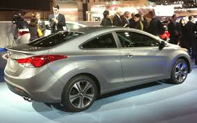 hyundai elantra price in india 2013 hyundai elantra price features review