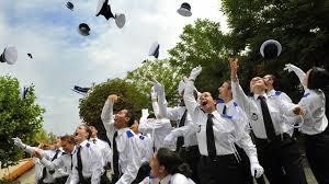 bureau de recrutement gendarmerie et gendarmerie peinent à recruter en ile de cnews fr