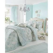 Down Comforter On Sale White Goose Down Comforter Set On Sale Choosing A Comfy Bedding