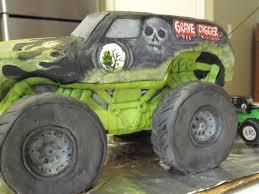 first grave digger monster truck gravedigger truck cake monster jam gravedigger cake 2009 f u2026 flickr