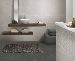 moderne fliesen für badezimmer badezimmer fliesen die besten 25 badezimmer fliesen ideen auf