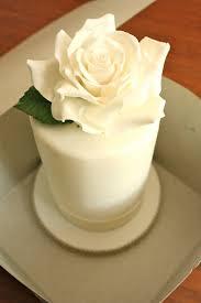 make wedding cake fondant roses designing a fondant cake how to