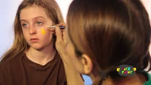 Bumble Bee Makeup For Halloween by Bee Face Painting For Halloween
