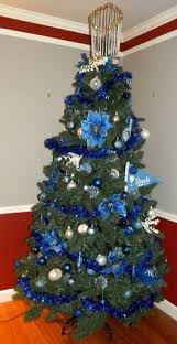 a royal tree merry royals fans kansas city royals