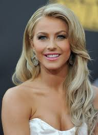 julianne hough shattered hair more pics of julianne hough retro hairstyle julianne hough hair