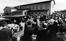 november 15 1959 the clutter family is murdered in holcomb