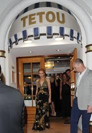 Restaurant Vanity Kylie Minogue In France Vanity Fair U0027s Dinner Party At Tetou