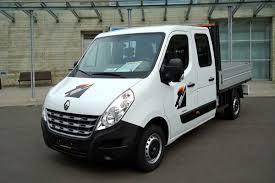 renault vans daimler in talks with renault to build large van together