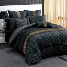 Black Bedding Sets Queen Best 25 Black Bedspread Ideas On Pinterest Bed Cover Sets Bed