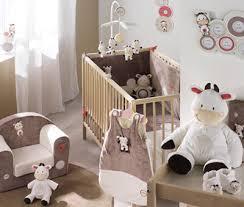 couleur de chambre de bébé idee deco chambre bebe mixte idées décoration intérieure farik us