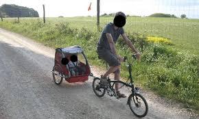 vélo avec siège bébé transporter des enfants avec un vélo pliant vélotaf com pédaler