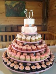not our colors but love the idea if cupcakes for wedding guests