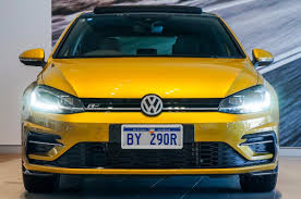 volkswagen yellow bunbury volkswagen 2017 volkswagen golf 110tsi highline 7 5