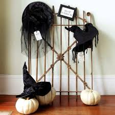 Outdoor Halloween Decorations Witches by Halloween Decorations Witch Diy Indoor Halloween Decorations