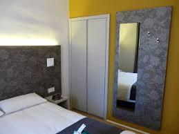 chambre avec placard chambre avec placard de rangement photo de hotel bristol