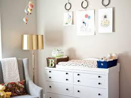 peindre chambre bébé decorer la chambre de bebe wordmark