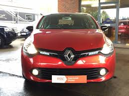 renault red used candy red renault clio for sale bedfordshire