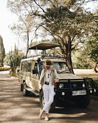 land rover kenya giraffe manor kenya galla