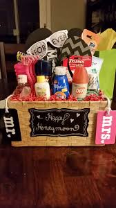 Honeymoon Shower Gift Ideas Honeymoon Gift Basket Gifts Pinterest Honeymoon Gift Baskets