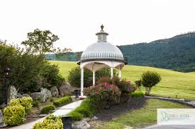 wedding venues in knoxville tn waterfall wedding in lafollette tennessee at the stables bledsoe