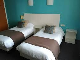 chambre 2 lits chambre 2 lits 1 personne photo de hotel des ducs alencon alençon