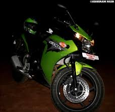 honda cbr150r honda cbr 150r ride review price mileage specifications