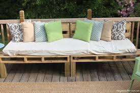 Diy Pallet Sofa Table The Pallet Sofa Restless Arrow