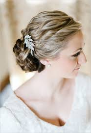 hair accessories for wedding how to choose a wedding hair accessory bridalguide