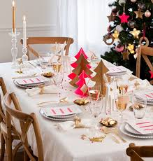 simple christmas table settings white table cloth simple dinnerware gold cutlery pink accents i