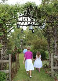 diy wedding landscapes make backyards beautiful mississippi
