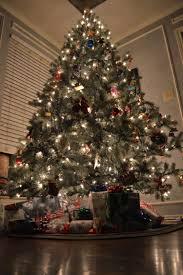 electric train around christmas tree cneth photography u2022 365