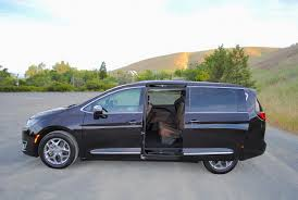 luxury minivan best minivans with vacuum cleaners autonation drive automotive blog