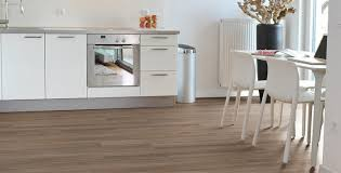 laminat in der küche laminatboden kratzfest kratzfestes laminat logoclic