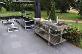 cuisine extérieure d été cuisine d été avec plan de travail en inox so inox