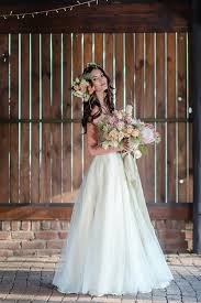 dress for barn wedding barn wedding dress ideas