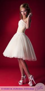 brautkleid kleine frau brautkleid für ihre hochzeit hochzeit brautkleid heiraten