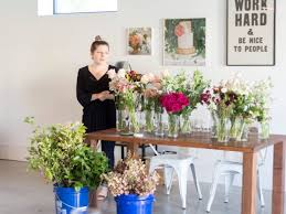 floral arranging class with oh deery grit gold event design