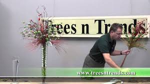 Home Decor Trees by How To Create A Christmas Table Centerpiece Trees N Trends