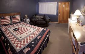 themed rooms rooms themed motel room patriotic themed room