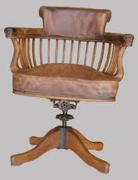 chaise de bureau en bois à fauteuil de bureau ancien pivotant bois assise ety dossier cuir