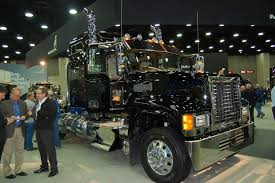 photo gallery mack trucks at mats 2015 fleet owner