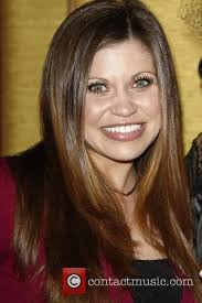 Danielle Fischel Naked - boy meets world actress danielle fishel ties the knot with